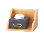 日本直送 貓公仔擺設 架上的貓兒 盒子上睡覺的貓貓 3枚入 生活用品超級市場 貓咪精品